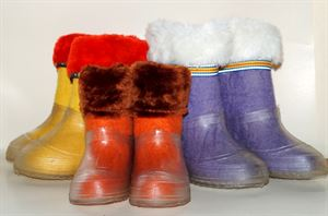 Picture of walenki kinder in transparent galoshes, 20-22 cm