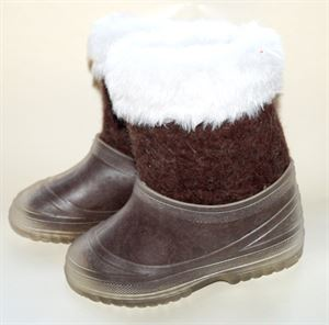 Picture of felt boots  for kids hand made with fur, 19 cm